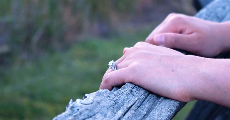 Study: Average Diamond Size for Engagement Rings