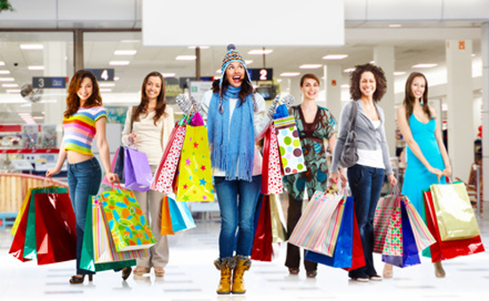 How much on average do American women spend on clothes?